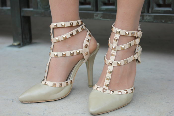 fashion, fashion blog, fashion blogger, Paris, streetstyle, valentino studded shoes, valentino, beige