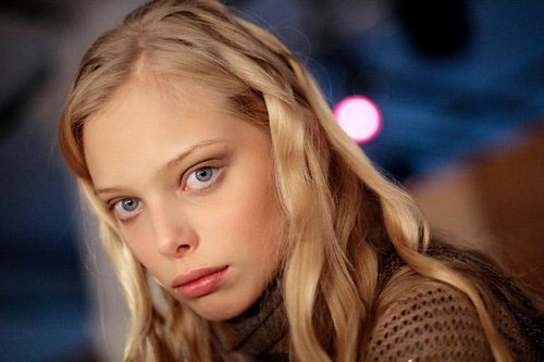Tanya-Dziahileva-modelo-ojos-azules