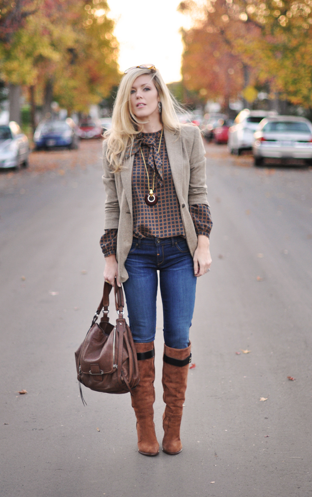fashion-style-outfit-jeans and boots-tweed blazer-vintage blouse-blonde hair
