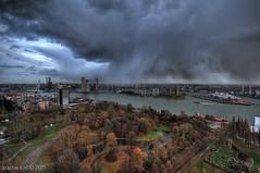 High wind, moderate gale and... RAIN / Euromast / Rotterdam