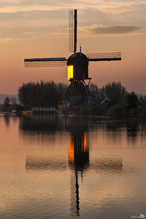 De Blokker at sunrise, Kinderdijk