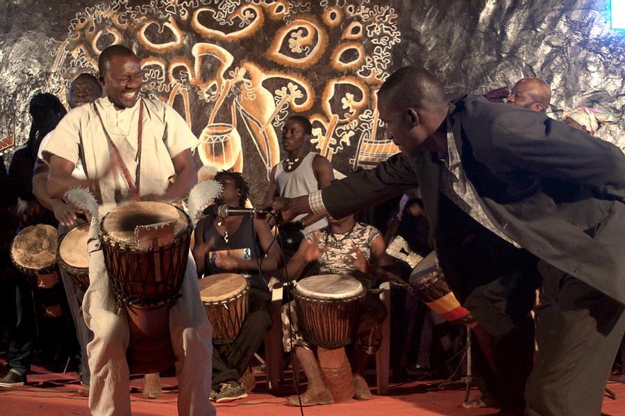 2 Amadou