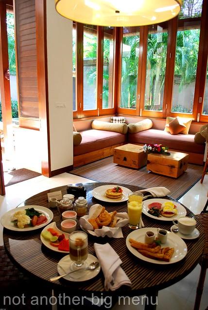 The Elysian, Bali - Breakfast table