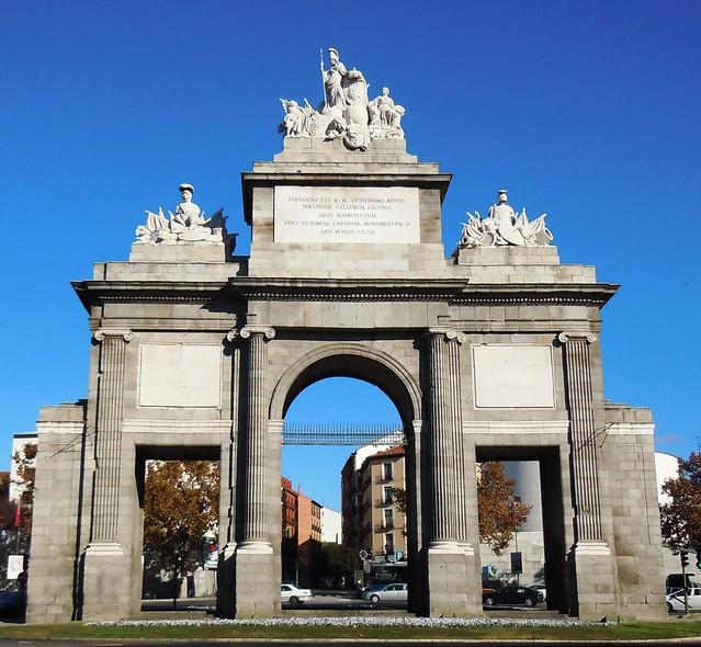 Puerta de toledo madrid neoclasicismo flickr photo for Shoko puerta de toledo
