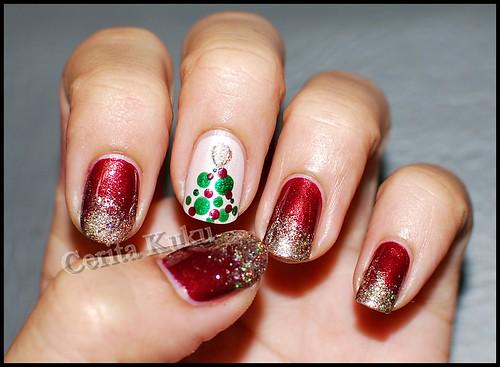Christmas nail 2011 (1)