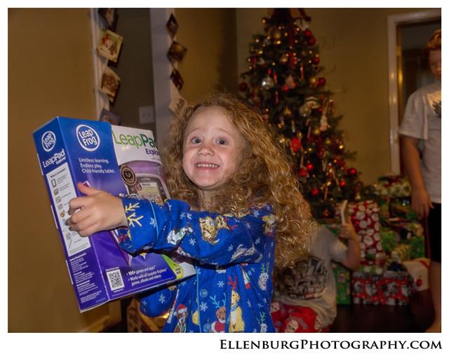 fb 11-12-25 Christmas-31