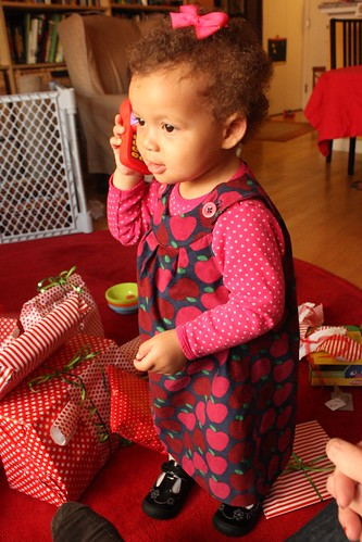 A is for Apple Dress: Elmo Phone View