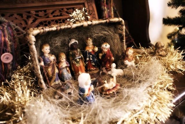 peggy and johns nativity set