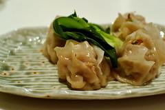 produce(0.0), mandu(1.0), momo(1.0), wonton(1.0), food(1.0), dish(1.0), shumai(1.0), dumpling(1.0), jiaozi(1.0), cuisine(1.0),