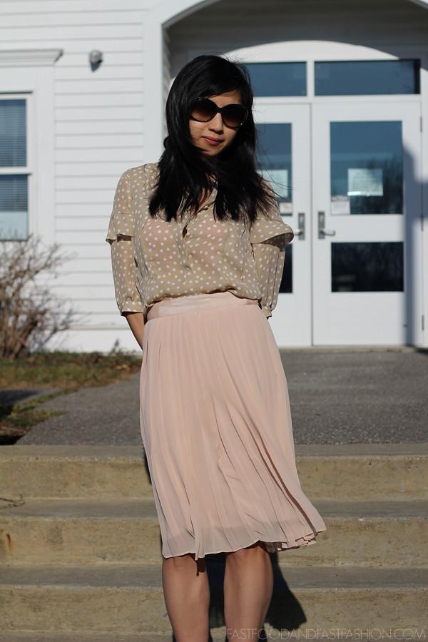 ann taylor top club monaco pleated skirt ziginy pumps polka dot pink pleated skirt