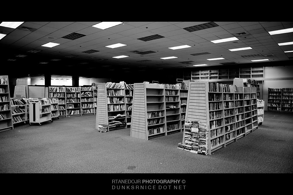 Books B&W.