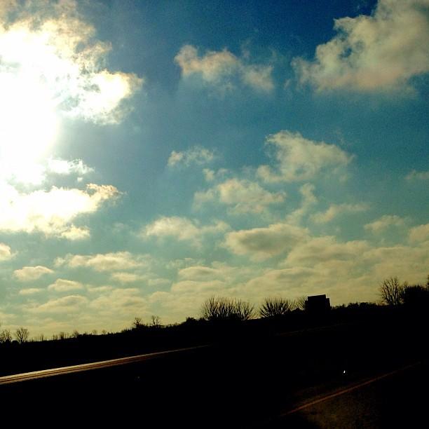 18/365+1 Sunny Start. #clouds #sky