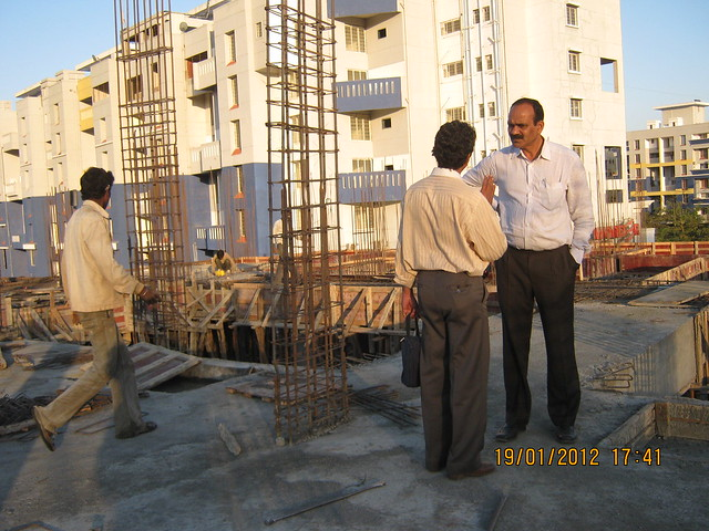 Kharade-Patil supervising the construction of Woods Royale, 2 BHK 3 BHK Flats behind Wonder Funkey on Mumbai Bangaluru Highway, Kothrud Pune 411038