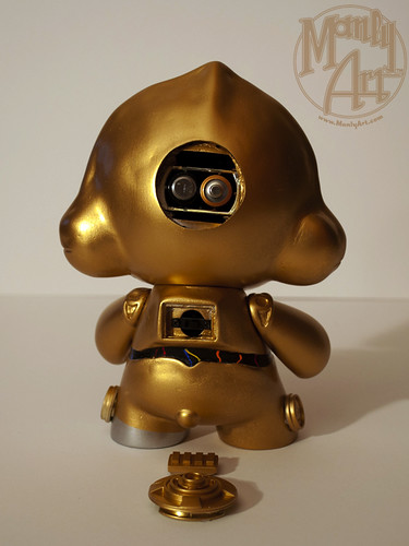 C-3PO Custom Munny- On/Off Switch and Battery Compartments