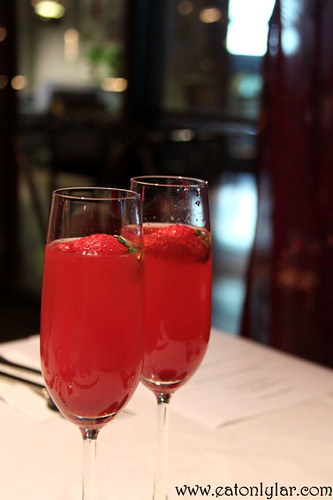 Strawberry Bellini, The Speakeasy Restaurant & Bar