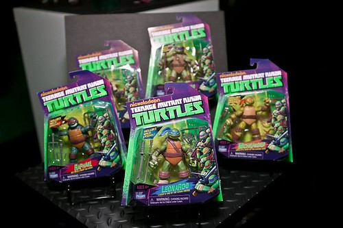 "Toy Fair 2012 :: Nickelodeon ""TEENAGE MUTANT NINJA TURTLES"" Peek (( 2012 )) / Basic Action Figures packaging [[ Courtesy of TMNT MASTER ]]"