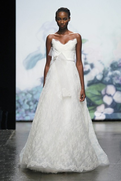 MONIQUE LHUILLIER FW12 BRIDAL NEW YORK 10/15/2011
