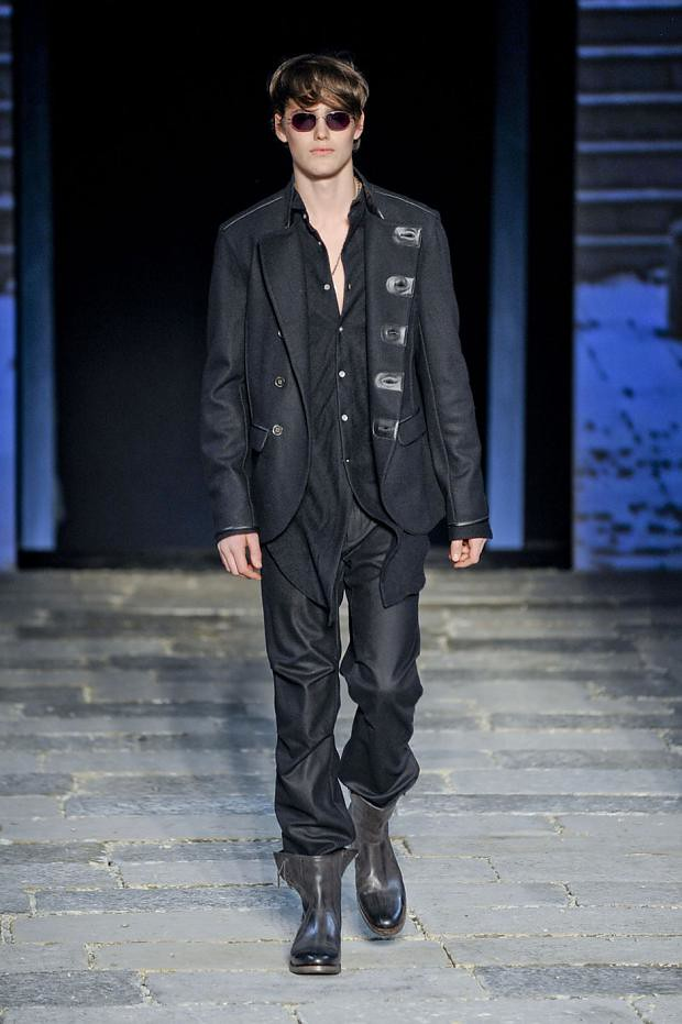 Jacob Young3056_3_FW12 Milan John Varvatos(fashionising.com)