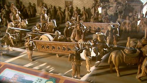 溫府千歲聖駕,師傅手工雕刻的人物模型,據說保險費四十萬喔!