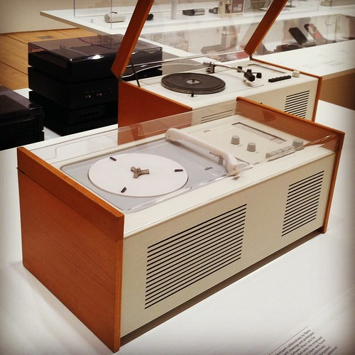 Vintage HiFi by Braun at the MOMA