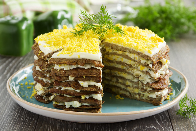 Cake pancakes from the liver with eggs and greens.