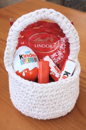 Easter basket -- single handle