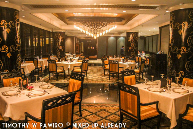 Philippines - Manila - Dusit Thani Manila - Benjarong Thai restaurant - 1