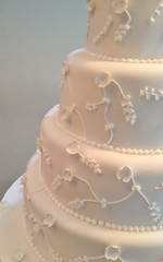 Piped wedding cake - detail