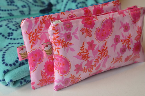 Laminated cotton pouches by Poppyprint