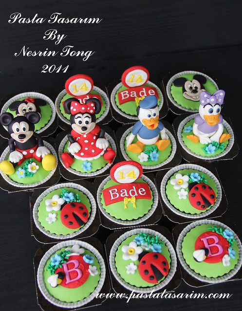 DISNEY CHARACTERS CUPCAKES