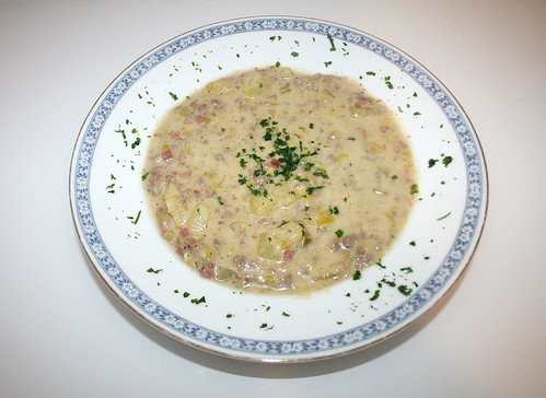 30 - Lauch-Kartoffel-Topf mit Hack & Schmelzkäse / Leek potatoe stew with ground meat & soft cheese - Serviert