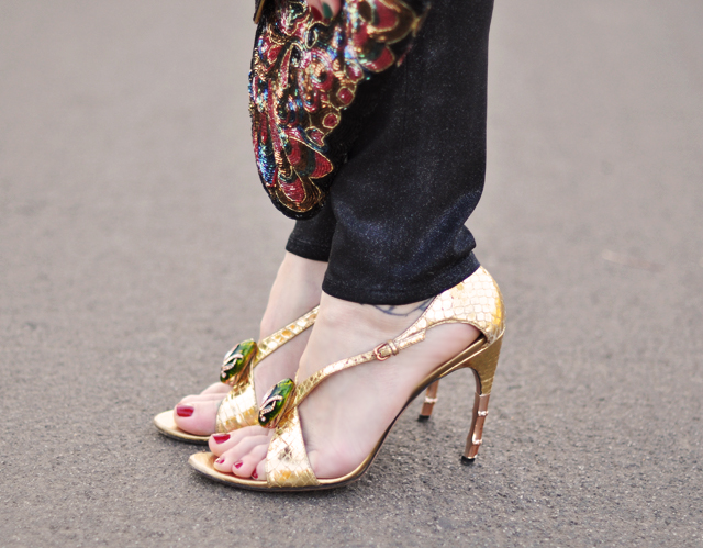 gucci snakeskin shoes- gold heels-snake head gucci heels