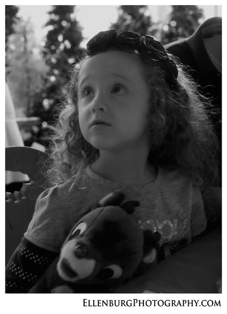fb 11-12-25 Christmas-19bw
