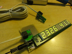 LED 温湿度計 / Temperature-and-relative-humidity meter