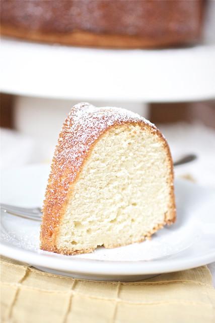 Vanilla Bean Eggnog Bundt Cake