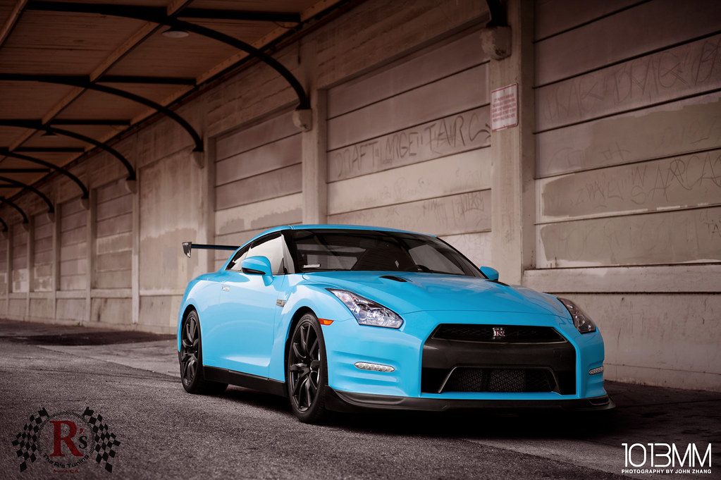 1013mm Presents Baby Blue Gt R With A Wing That Move