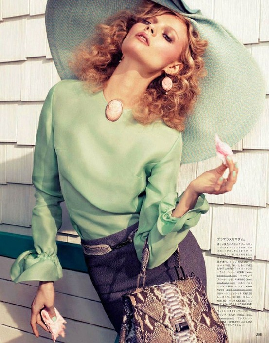 fashion editorial-seafoam-curls-hat-cameos