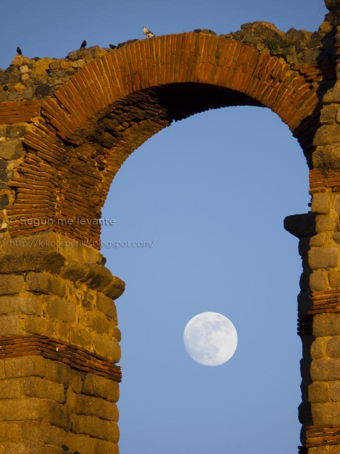 La luna sale de milagro