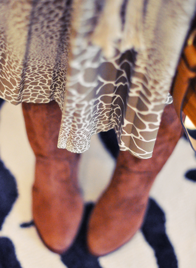 animal print pleated  dress  with suede boots