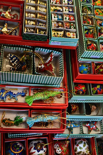 Trinkets at Jade Market, Hong Kong by logatfer