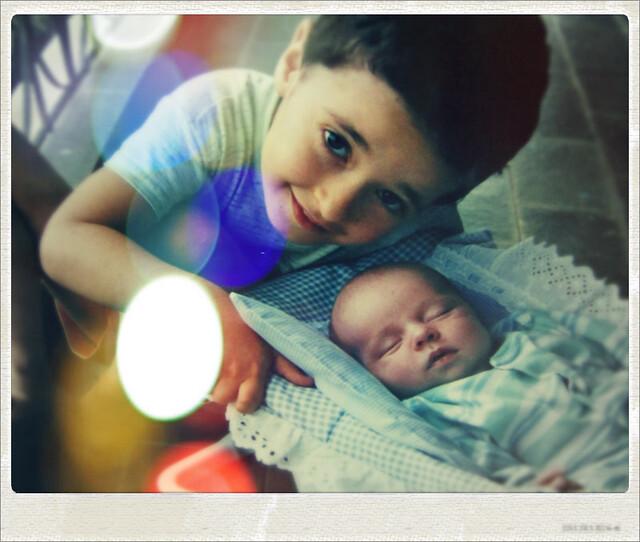 Meninos pequenos