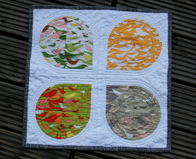 petals mini quilt