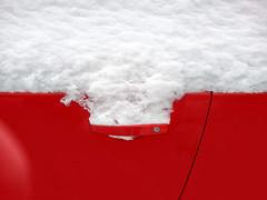 Белое на красном