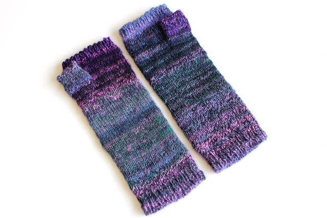 Fingerless mittens from handspun yarn