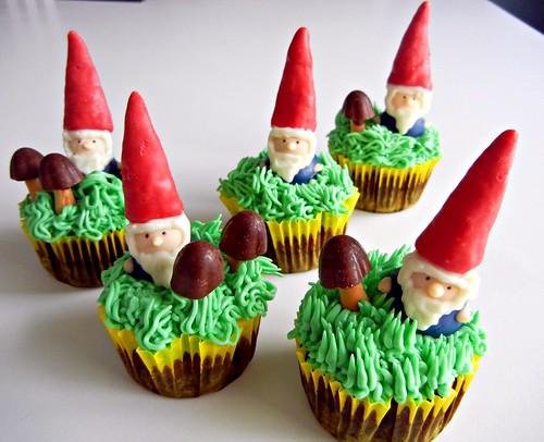 gnome cupcakes