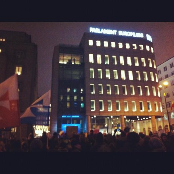 Warsaw EP headquarters sieged