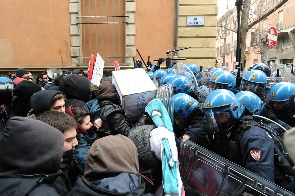 Polizia: si alle telecamere sulla divisa