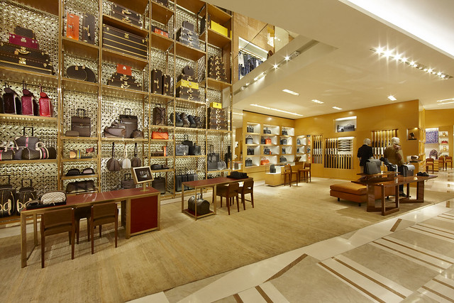 LV_01 2012_Roma_Store_016