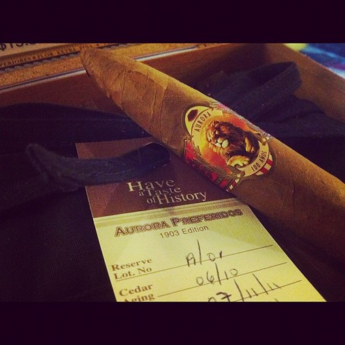 Mmm...switching cigars and smoking a @guillermoleon_ 100 Anos Preferidos