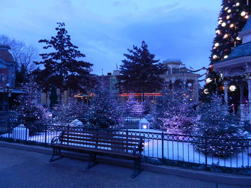 Un séjour pour la Noël à Disneyland et au Royaume d'Arendelle.... - Page 2 13643382953_e55f67911d_b